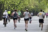 Los austriacos, corriendo o paseando, en Viena.