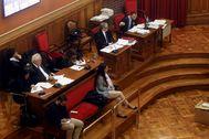 Los condenados en el banquillo delante de sus abogados defensores y al lado las acusaciones