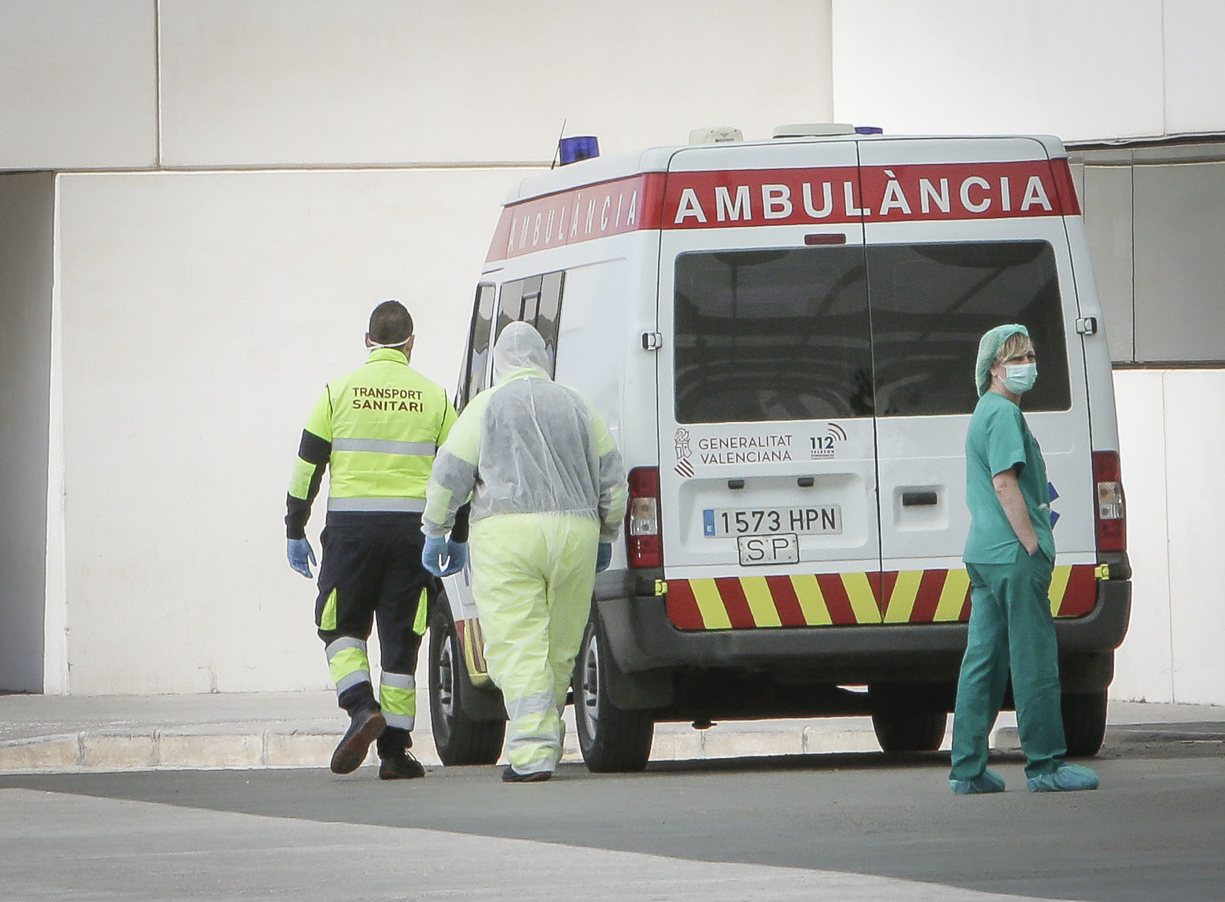 Personal sanitario en el hospital La Fe de Valencia.