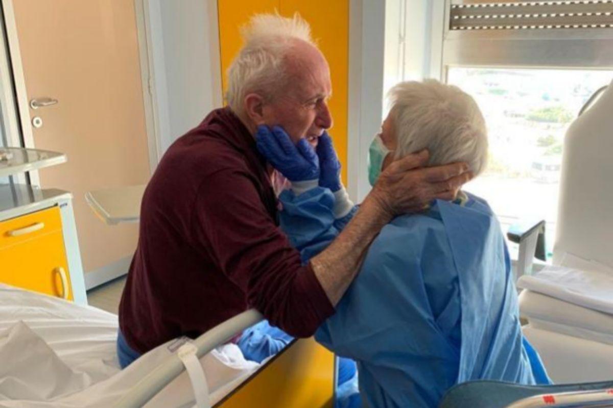 Un matrimonio de ancianos afectados por el coronavirus se ...