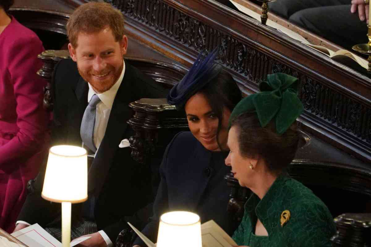 Harry, Meghan Markle y la princesa Ana.