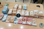 El dinero incautado por la Policía Muncipal.