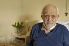 Tomás Zancajo, 94 años, en su casa, tras superar la enfermedad.