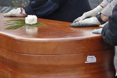 Entierro de una víctima del coronavirus este domingo en Madrid.