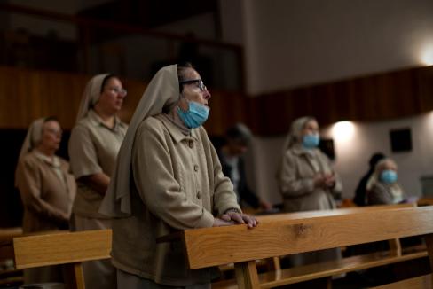 """La pesadilla de las monjas: """"Se moría una hermana tras otra y nos dejaron abandonadas"""""""