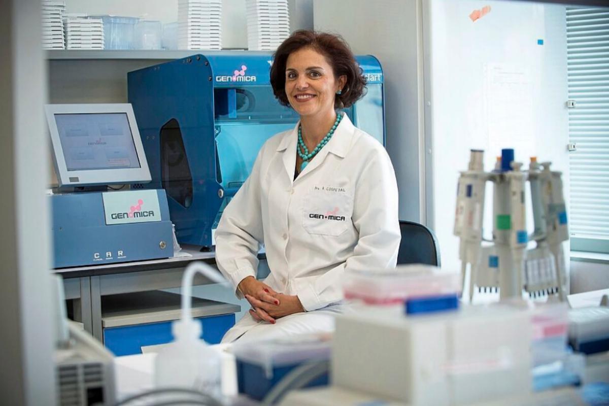 Rosario Cospedal, en su laboratorio.