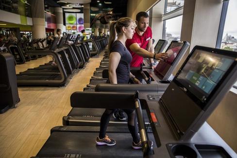 El regreso al gimnasio: menos gente en las clases y limpieza extrema