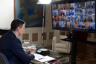 Pedro Sánchez, durante una videoconferencia con presidentes autonómicos.