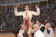 Talavante abrió la Puerta Grande de Las Ventas el día de su confirmación