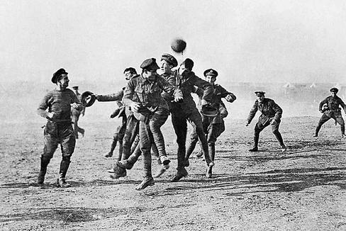 Partido de la Tregua de Nochebuena (1914), entre británicos y alemanes.