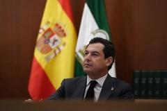 El presidente de la Junta, Juanma Moreno, este domingo durante la videoconferencia de presidentes autonómicos con Pedro Sánchez.