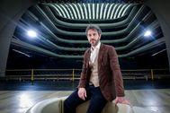 Francesco Lanzillotta, en la sala principal de Les Arts, donde ha dirigido 'El viaje a Reims', el último montaje estrenado en el teatro valenciano.