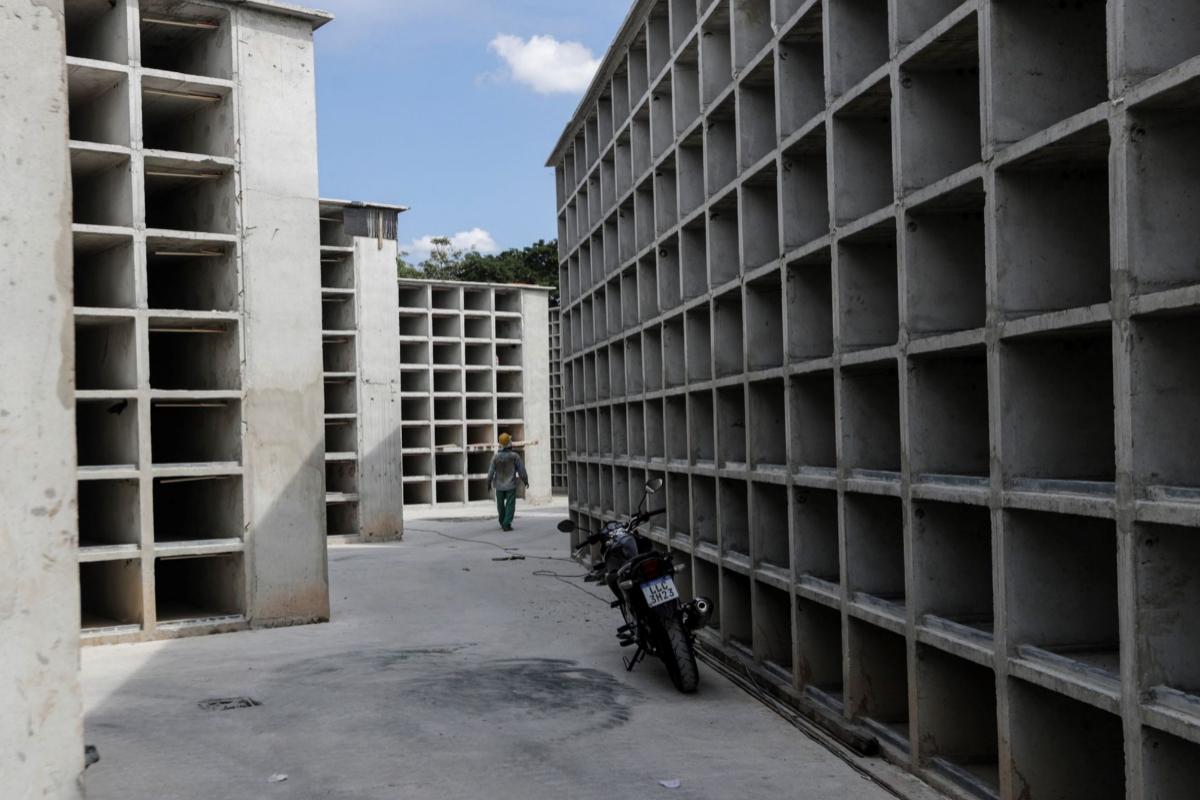 Estado de las obras de ampliación del cementerio de la zona norte de Río de Janeiro, este martes.