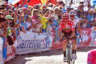 Roglic y Valverde, en la Vuelta del año pasado.