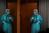 Sanitarios en el Hotel Princess de Barcelona, que acoge enfermos de Covid-19.