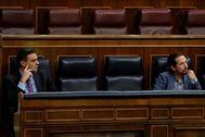 Pedro Sánchez y Pablo Iglesias, durante la sesión de control.