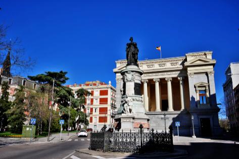 Monumento a la reina María Cristina de Borbón en Madrid.