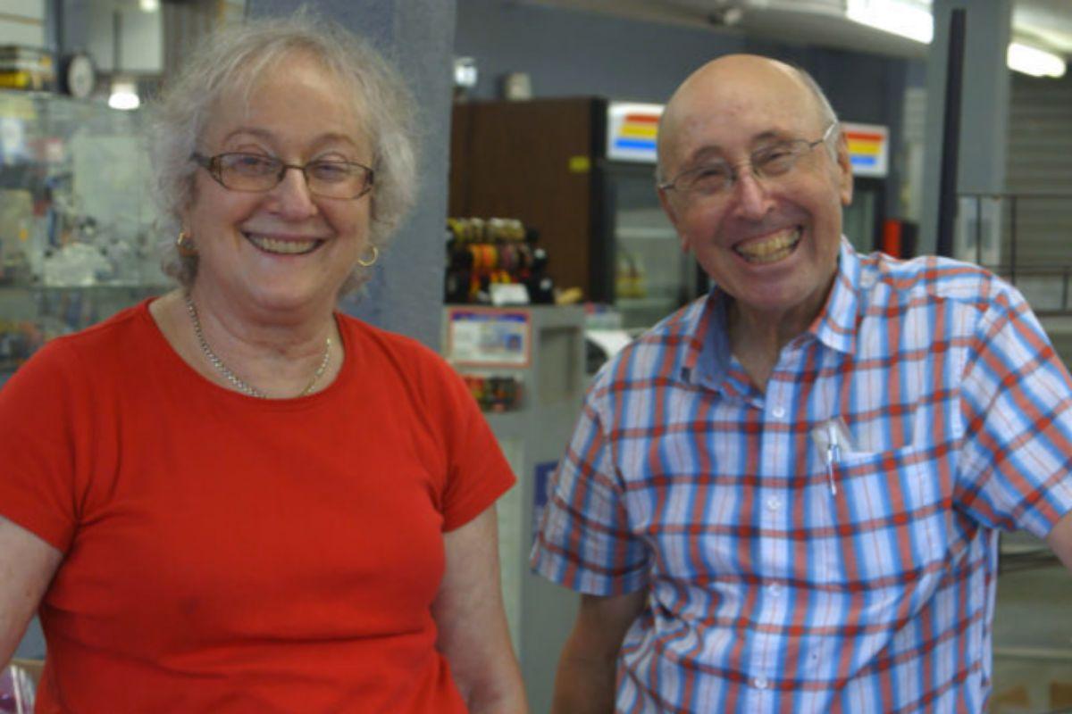 Karen y Barry en 'Circus of books'.
