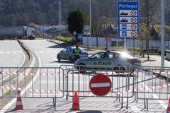 Lado portugués de la frontera de Goián, cerrada al tráfico.