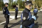 Agentes de la Policía Municipal, en un control en Madrid