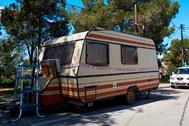 La caravana en la que vivía Thiago.