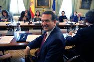 El presidente de la FEMP, Abel Caballero, en una reunión con el Gobierno, el 20 de febrero.