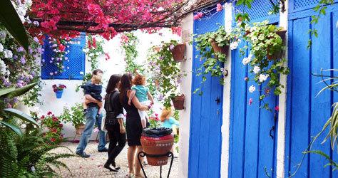 Los patios de la ciudad se abren al público en mayo.
