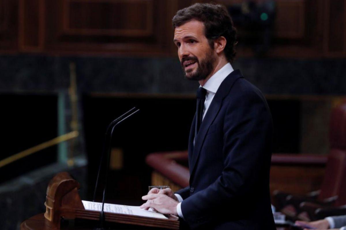 Pablo Casado, desde la tribuna de oradores.