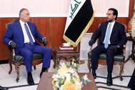 Baghdad (Iraq), 06/05/2020.- A handout picture released by Iraqi Parliament Media Office shows the speaker of Iraq's parliament Mohammed al-Halbousi (R) meeting with Iraqi Prime Minister-designate lt;HIT gt;Mustafa lt;/HIT gt; al-Kadhimi (L) before the vote on the new government at the parliament in Baghdad, Iraq on 06 May 2020. (Bagdad) EPA/NDOUT HANDOUT EDITORIAL USE ONLY/NO SALES