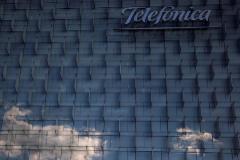 Telefónica firma una fusión para crear un operador líder  valorado en 36.000 millones de euros