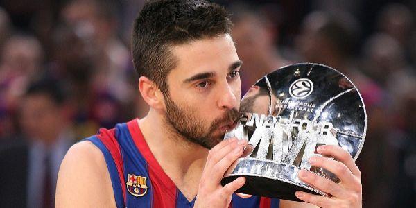 Navarro, con su trofeo de MVP.