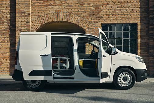 La versión Combi permite adaptarse al transporte de cargas.
