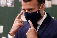 FILE PHOTO: French President lt;HIT gt;Macron lt;/HIT gt; visits a school in Poissy