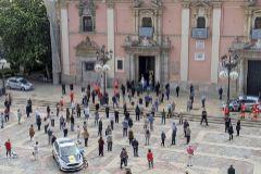 Imagen aérea de la congregación a las puertas de la Basílica de la Virgen.