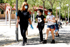 Un estudio apunta que los niños no 'supercontagian'