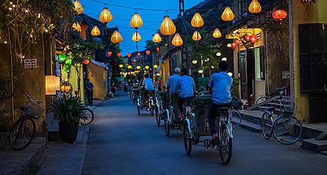 Las famosas linternas que se encienden cada noche.