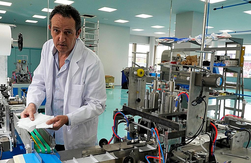 Javier Aracama en una de sus fábrica en el País Vasco.