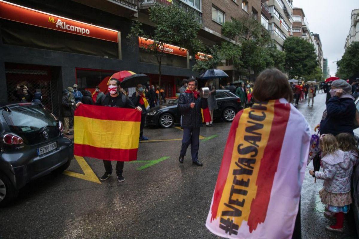 Un momento de la protesta contra el Gobierno, hoy martes, en la calle de Núñez de Balboa