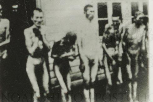 Judíos desnudos antes de ser ejecutados