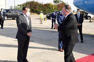 TEL AVIV.- El secretario de Estado de EE. UU., Mike lt;HIT gt;Pompeo lt;/HIT gt;, llegó esta mañana a Israel para tratar con el primer ministro, Benjamín Netanyahu, sobre la amenaza iraní y sobre el plan israelí de anexión de parte de Cisjordania, que este pretende poner en marcha a partir del próximo julio. /Embajada de EEUU en Israel SOLO USO EDITORIAL / NO VENTAS / NO ARCHIVO