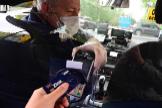 Un taxista de Madrid con mascarilla.