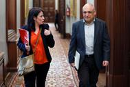 El diputado del PSOE Rafael Simancas y su portavoz parlamentaria, Adriana Lastra, en el Congreso.