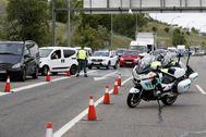 Control de la Guardia Civil de Trafico en la salida de Madrid.