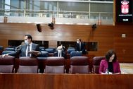 Ignacio Aguado e Isabel Díaz Ayuso, en la Asamblea.