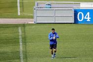 Omar Mascarell, capitán del Schalke, en un entrenamiento.