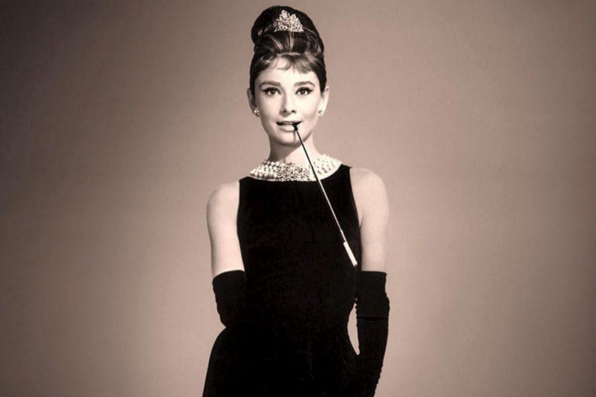 En el sofá, con Audrey Hepburn
