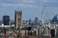 Vistas del Parlamento de Londres y su famosa noria 'London Eye'.