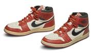 Todo lo que toca Michael Jordan sigue siendo de oro: pagan 560.000 dólares por sus zapatillas usadas