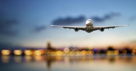 Un avión durante su aterrizaje.