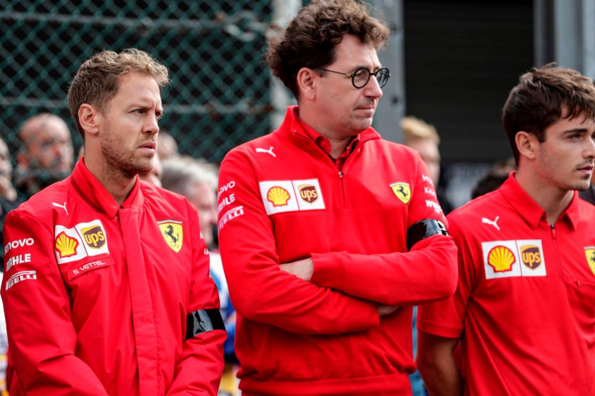 De izda a dcha: Vettel, Binotto y Leclerc.